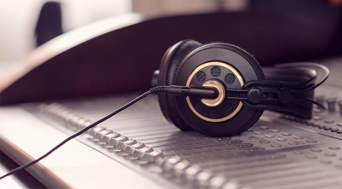Headphones Buying Guide For Beginners - Find out Which Headphones is perfect for you